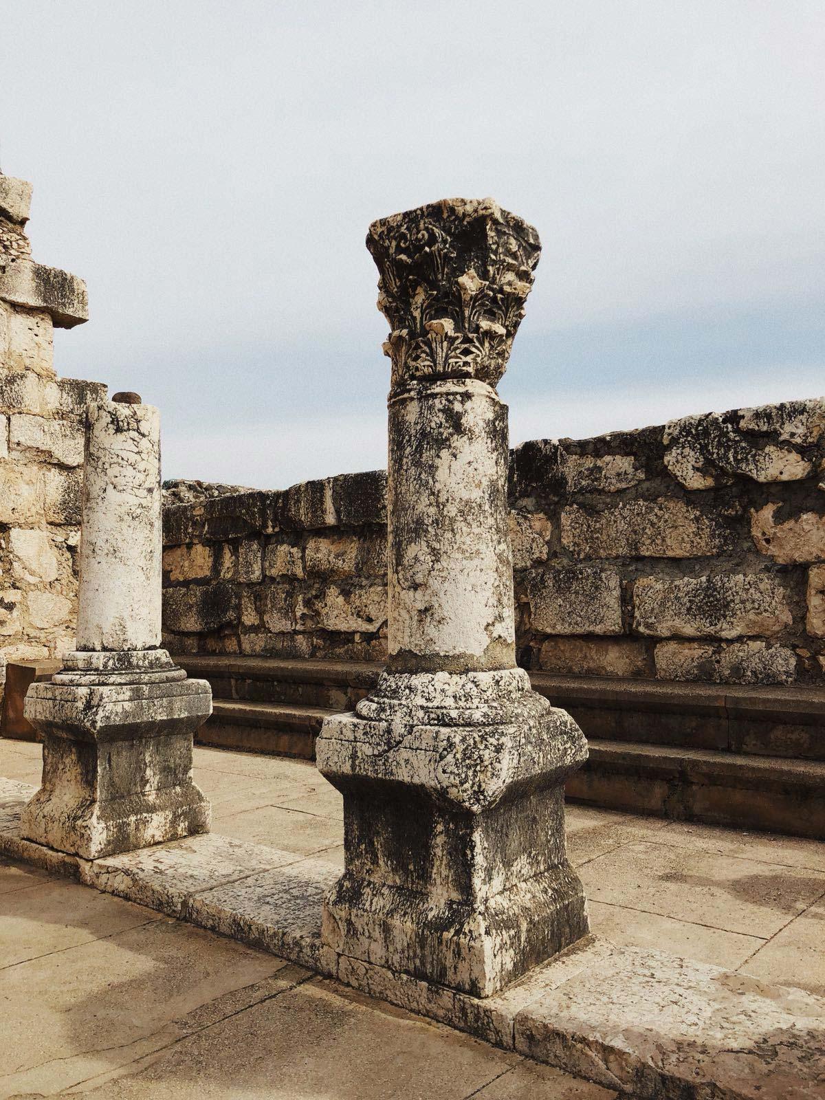 ewmt-israel-ruins-column-gallery
